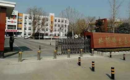 深圳华强北无轨悬浮门引导未来方向